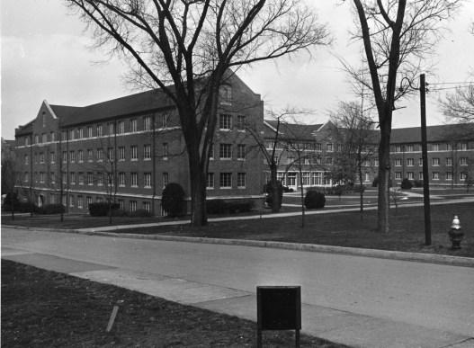 Vanderbilt and Barnard halls in 1960 (VANDERBILT SPECIAL COLLECTIONS AND UNIVERSITY ARCHIVES)