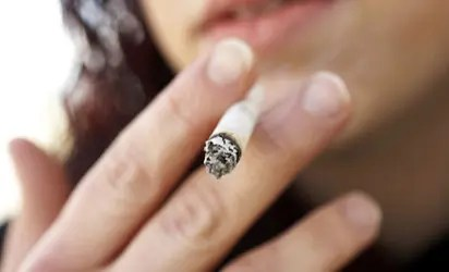 Youth and thread line of Tobacco smoking