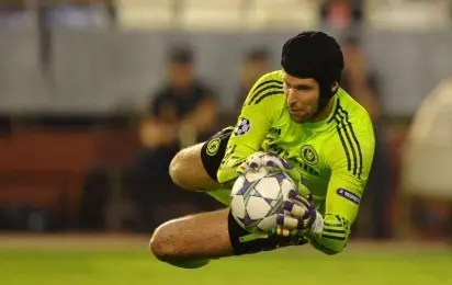 Goalkeeper Petr Cech dumps football for hockey