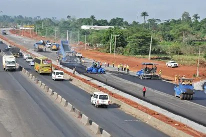 Lone Accident Claims Child On Lagos Ibadan Expressway