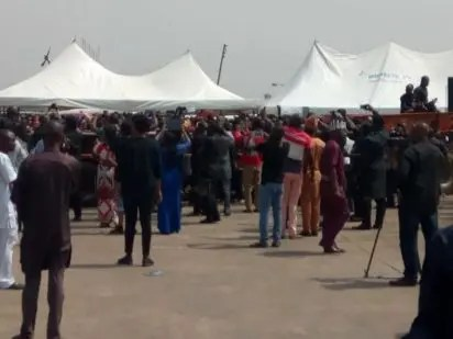 Trucks convey corpses of victims of herdsmen killings in Benue to IBB Square, Makurdi for funeral rites