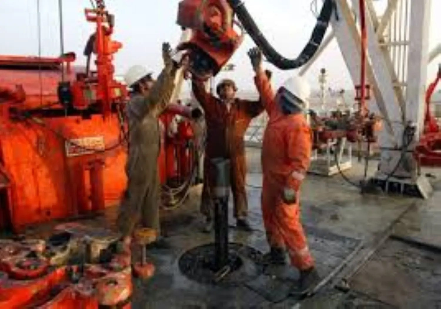 Hopes for Deeper OPEC Production Cuts Pushes Oil Up