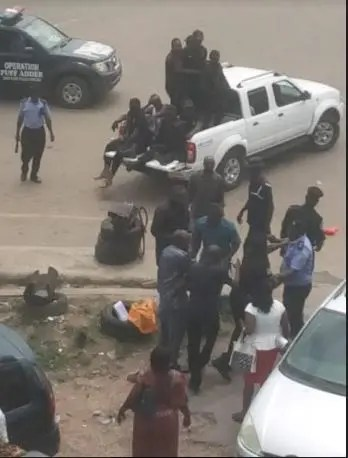 #RevolutionNow: Osun police allegedly brutalise 70-year-old woman, harass journalists