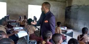 Lawmaker takes up teaching job in Osun schools
