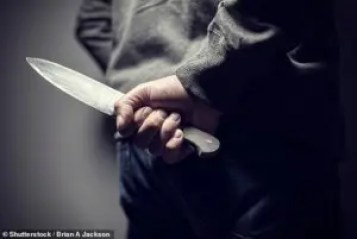 More than 1,000 British school children caught carrying weapons ― Report