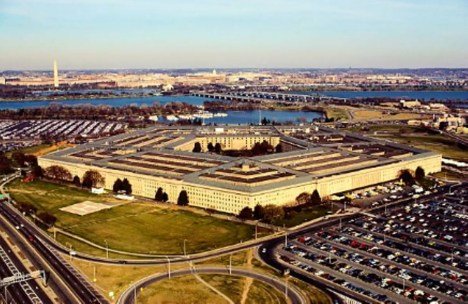 Microsoft beats Amazon to Pentagon cloud-computing deal