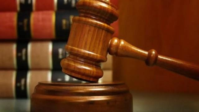 court, Businessman