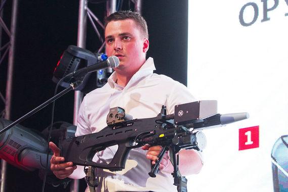 Радиоэлектронное нелетальное оружие REX 1 для противодействия дронам компании Zala Aero Group