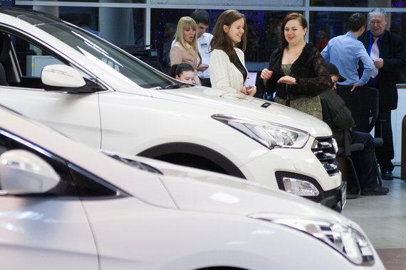 На показателях отразилось недавнее резкое ослабление рубля считает председатель комитета автопроизводителей АЕБ Йорг Шрайбер