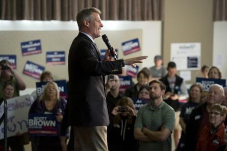2016 Hopefuls Steer Clear of Scott Brown Senate Bid