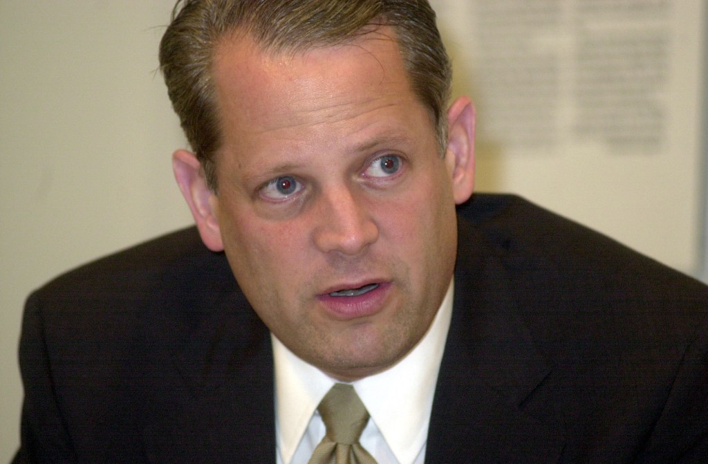 Israel when he was first running for Congress in Sept. 2000. (CQ Roll Call File Photo)