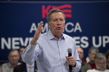 Presidential candidate Gov. John Kasich, R-Ohio, speaks during a town hall at the VFW in Milford, N.H., January 23, 2016. (Photo By Tom Williams/CQ Roll Call)
