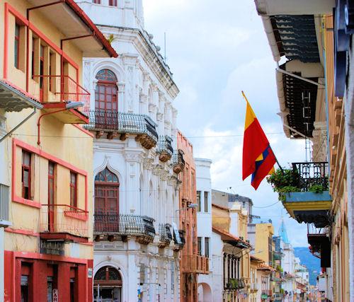 cuenca ecuador colonial town