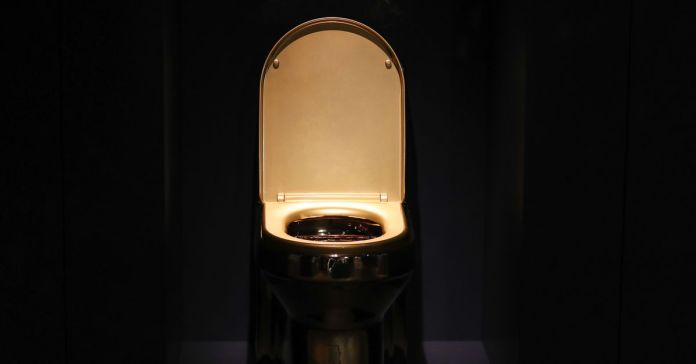 """GettyImages_1167207684 Trump: """"People are flushing toilets 10 times, 15 times,"""" EPA rules to be reviewed - Vox.com"""