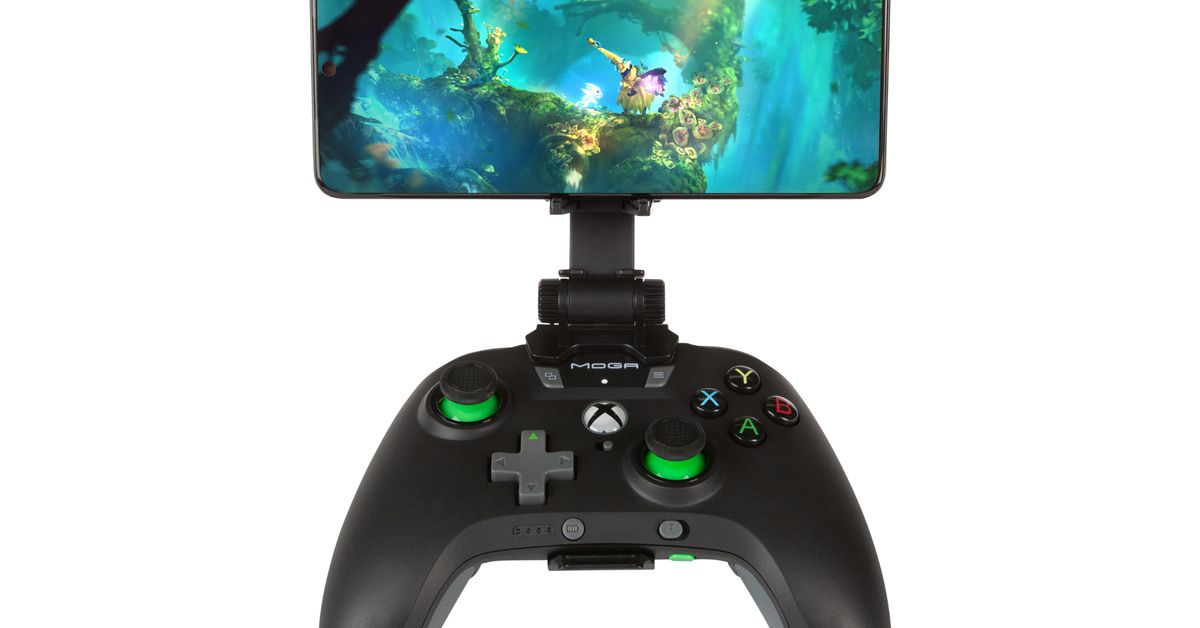 PowerA's xCloud controllers can keep your phone charged while you game