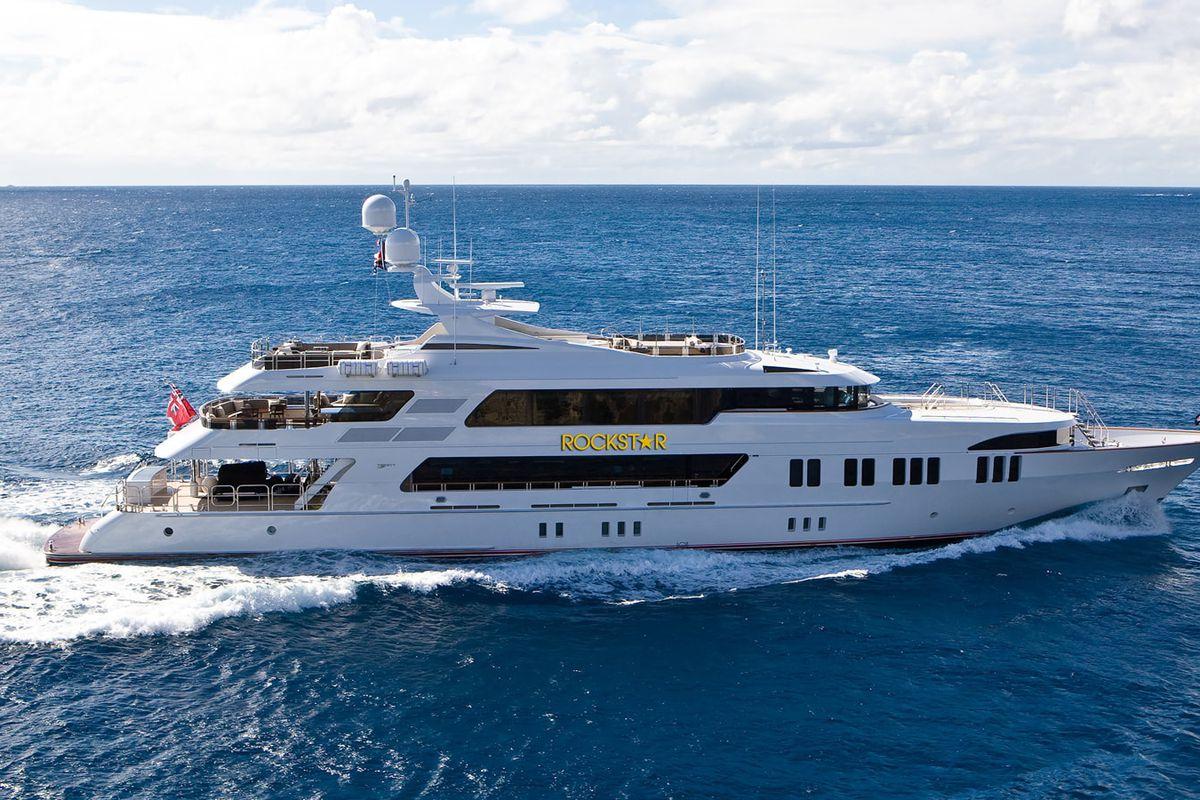 Miami Yacht Watch Rockstar Returns After 2014 Bridge