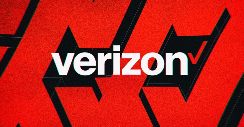 Verizon is offering free Apple Arcade or Google Play Pass for up to a year