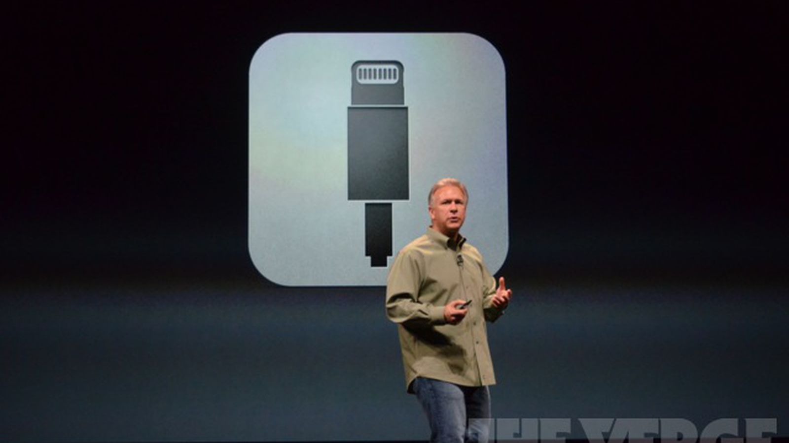 Phil Schiller Sees No Need For NFC Or Wireless Charging