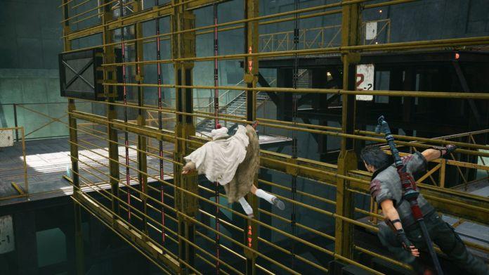 Yuffie and Sonon glide across metal scaffolding while breaking into Shinra HQ in Final Fantasy 7 Remake Episode Intermission