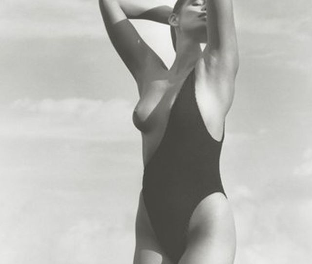 Here Is A Picture Of Cindy Crawford Wearing Part Of A Bathing Suit