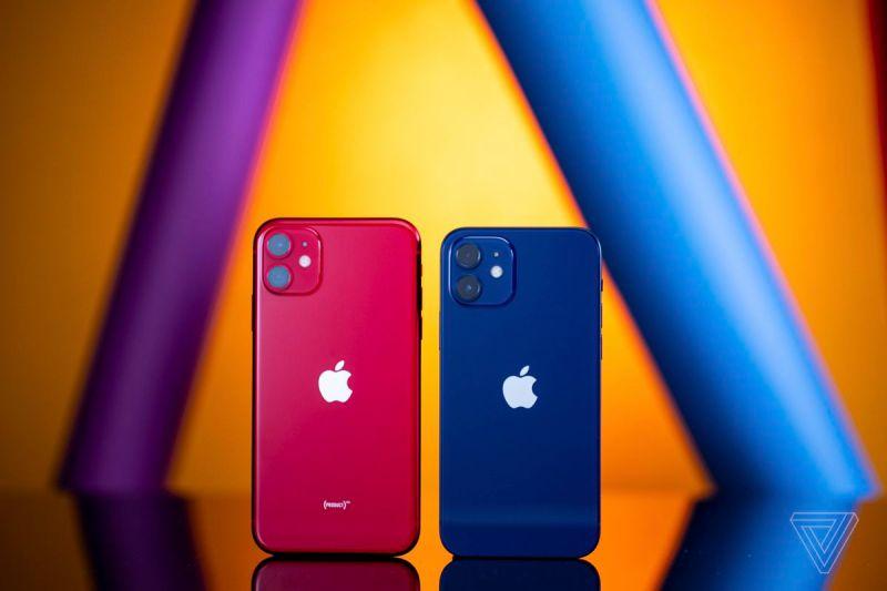 L'iPhone 12 è notevolmente più piccolo dell'iPhone 11.