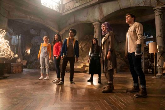 The remaining PRIDE members unite with the kids to foil Morgan�s plans, but as a battle rages in the Hostel, one of the Runaways pays the ultimate price to defeat her. Karolina (Virginia Gardner), Molly (Allegra Acosta), Alex (Rhenzy Feliz), Nico (Lyrica Okano), Gert (Ariela Barer) and Chase (Gregg Sulkin), shown.
