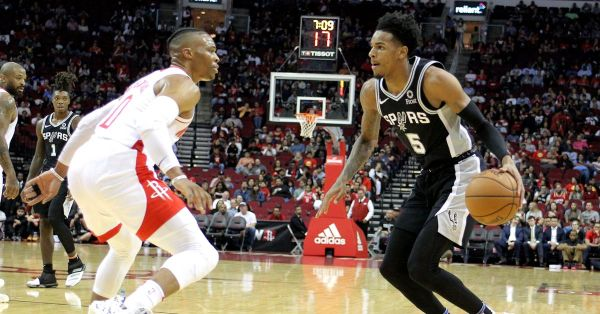Spurs go small, young guards shine in preseason win over Rockets