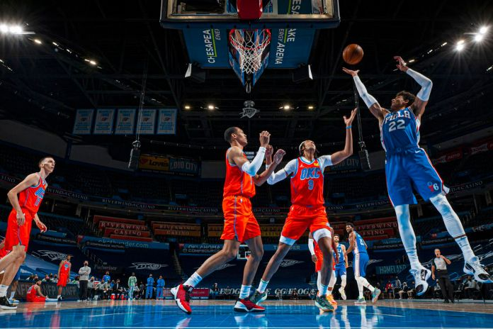 Philadelphie 76ers v Oklahoma City Thunder