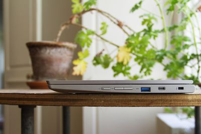 The Lenovo Ideapad Flex 3 Chromebook closed from the right side.