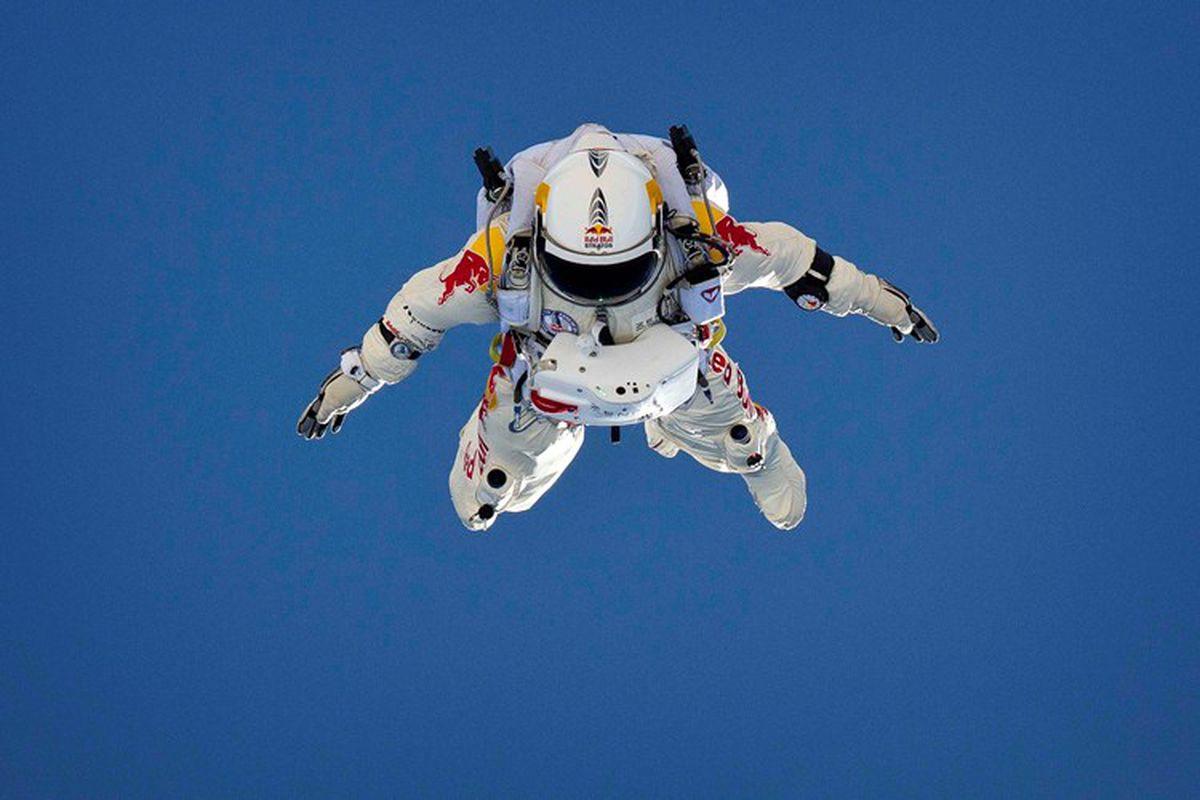 Felix Baumgartner To Attempt World S First Supersonic Free
