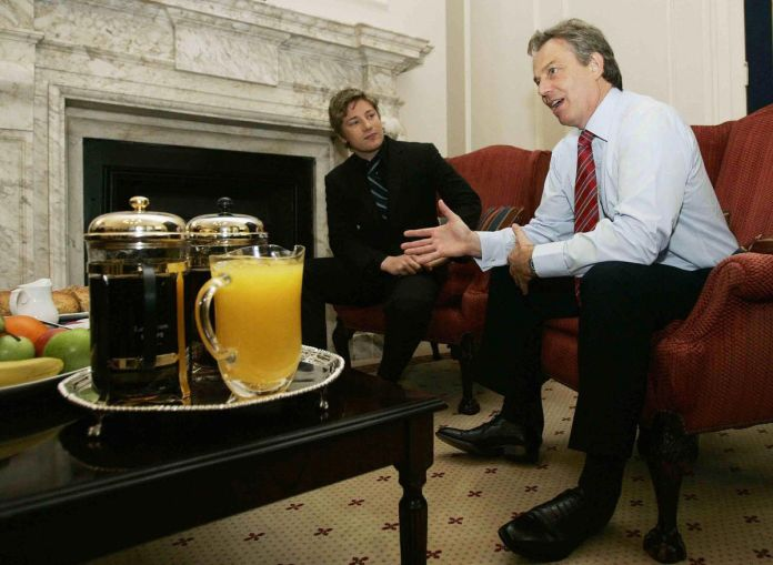 British celebrity chef Jamie Oliver (L) with Tony Blair at 10 Downing Street