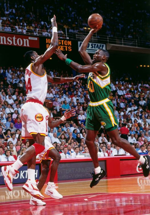 History of the Rockets' greatest rivals - The Dream Shake