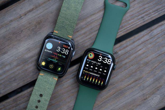 The Modular Duo face lets the Series 7 (right) have two full-width complications.