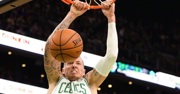 Celtics slam Cavaliers 118-72