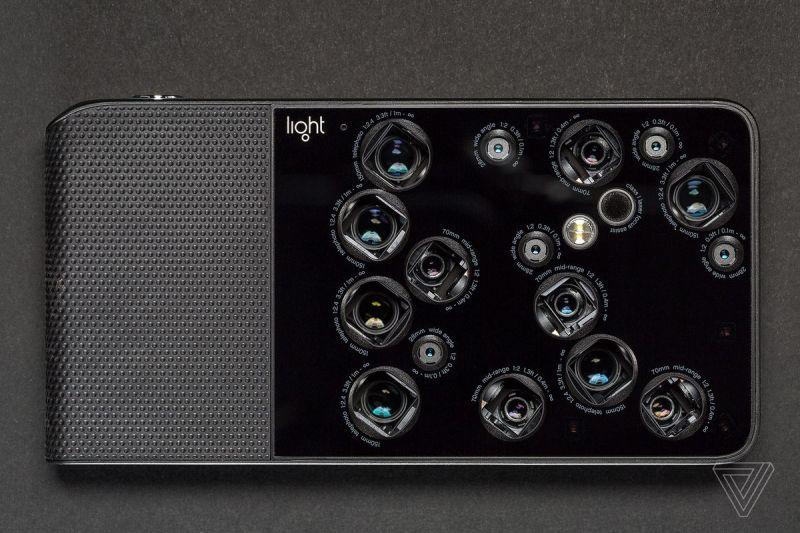 Un'immagine della fotocamera Light L16.