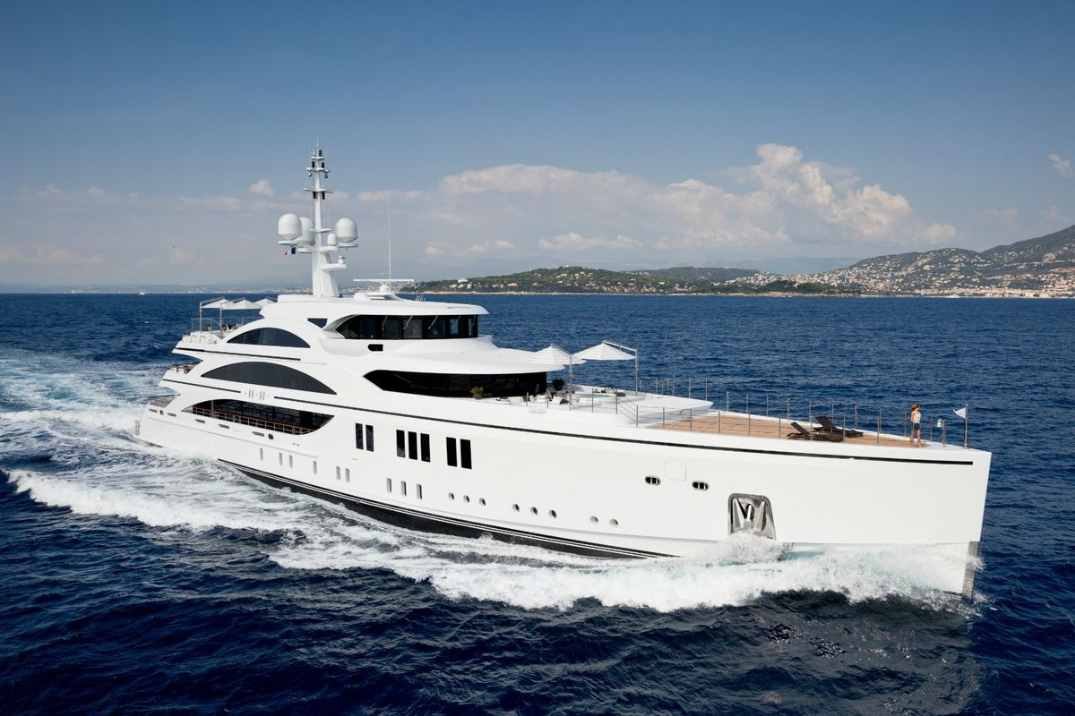 The 5 Largest Yachts At Yachts Miami Beach Curbed Miami