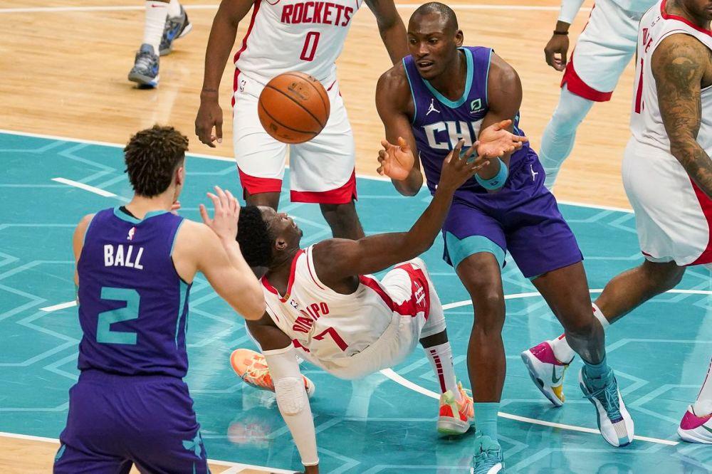 Αποτέλεσμα εικόνας για Charlotte Hornets - Houston Rockets 119-94
