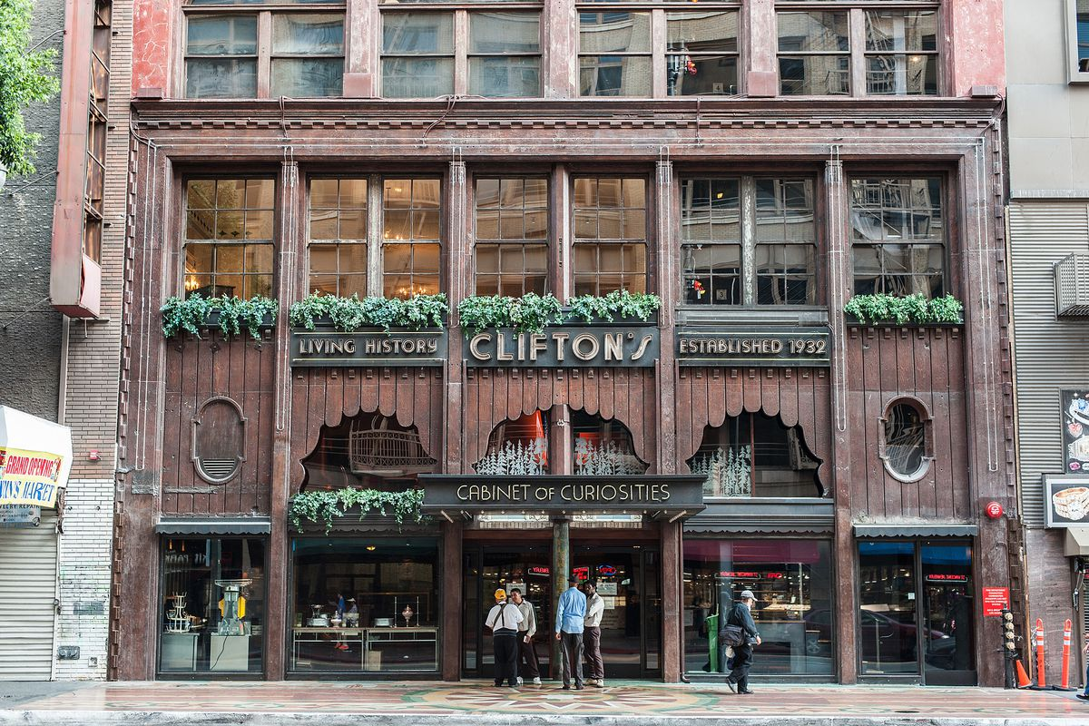 Cliftons Republic Temporarily Stops Serving Food In Downtown LA Eater LA