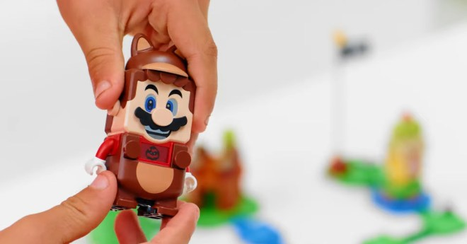 Tanooki Mario will be available in Lego form in 2021