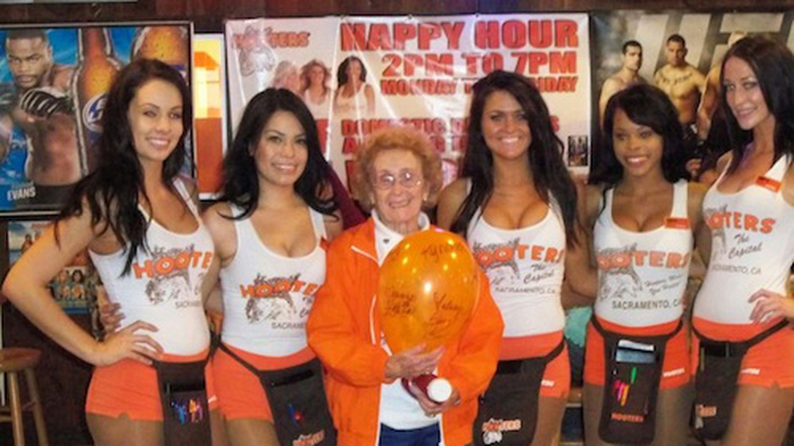 Hooters Is A Great Place For Mothers Day They Promise