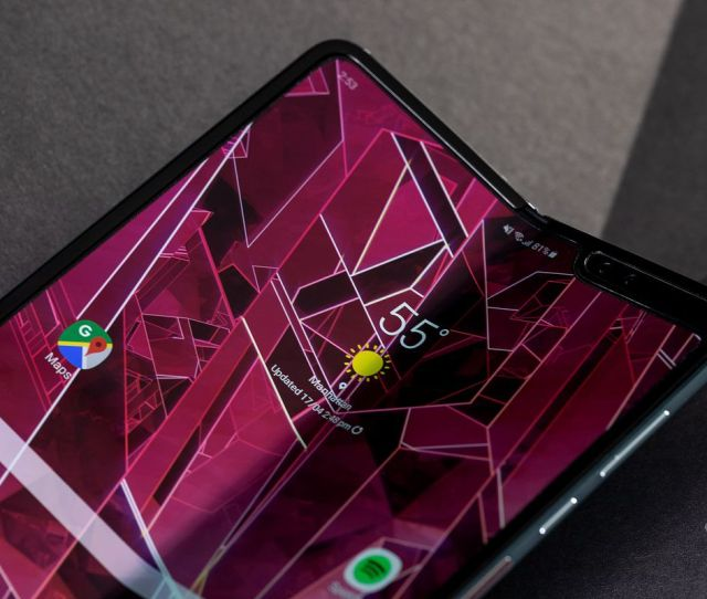 Att Is Now Telling Customers The Galaxy Fold Will Ship On June 13th