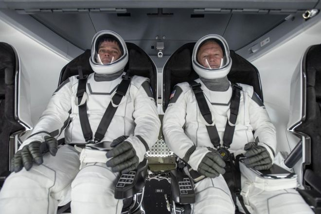 KSC_20200330_PH_SPX01_0002_large.0 How to watch two NASA astronauts journey home in SpaceX's Crew Dragon capsule   The Verge