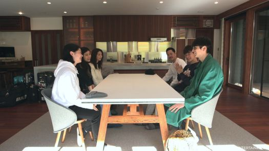 The gathered cast of Terrace House: Opening New Doors.