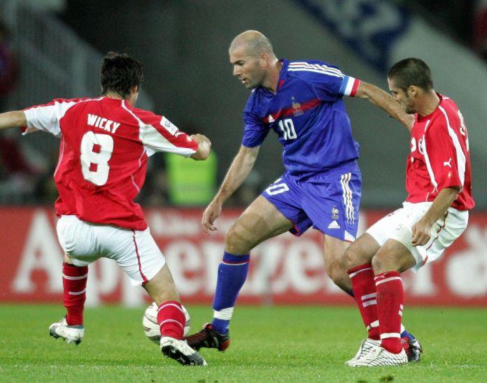 Zinedine Zidane (C) and French Switzer