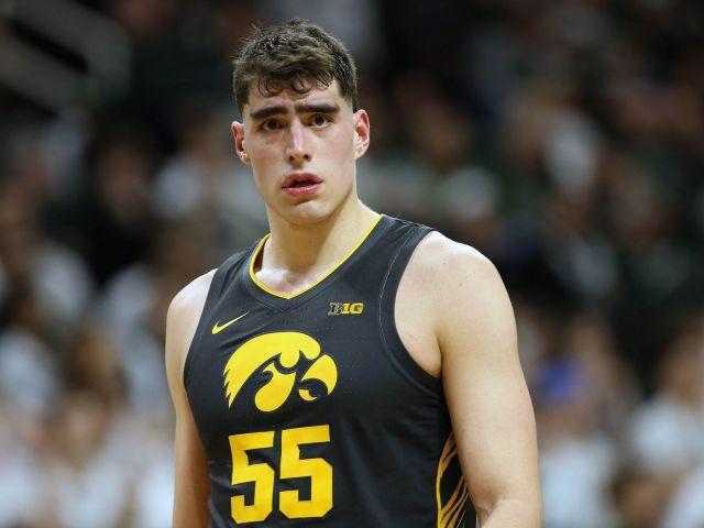 Iowa Basketball's Luka Garza Earns Big Ten Player of the Year - Black Heart  Gold Pants