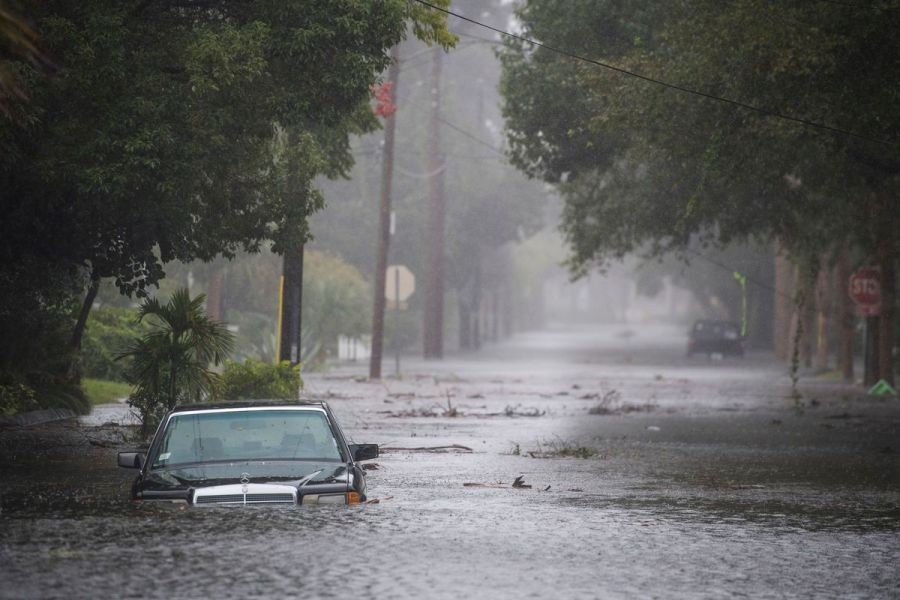 Hurricane Harvey  why you should never drive on flooded roads   Vox A car in a flooded street as Hurricane Matthew hit St  Augustine  FL on  Friday October 07  2016  Getty Images