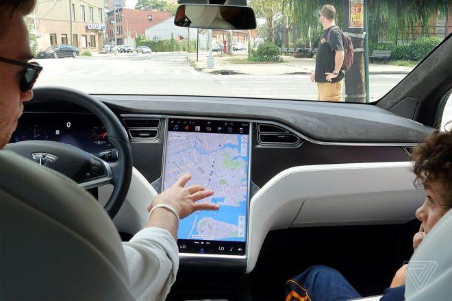 twarren_170912_1995_0032.0 Tesla asked to recall 158,000 cars for failing displays | The Verge