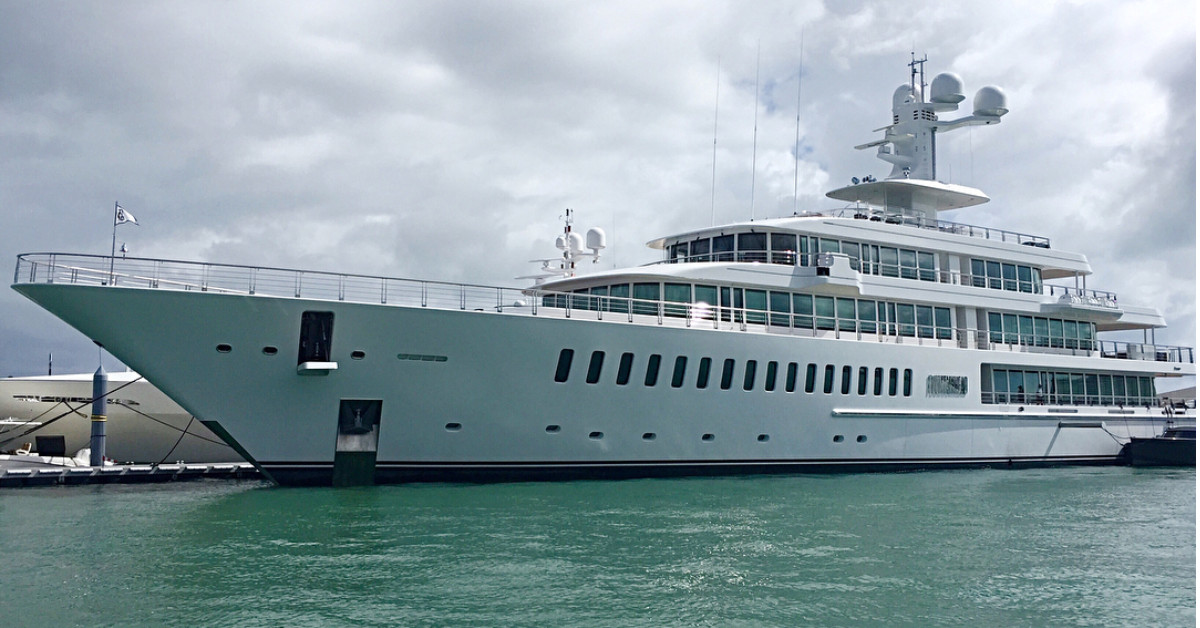 Miami Yacht Watch The Glorious Fountainhead Returns Curbed Miami