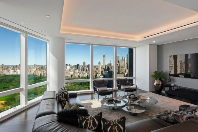 Time Warner Center Duplex Finally Enters Contract After 34m