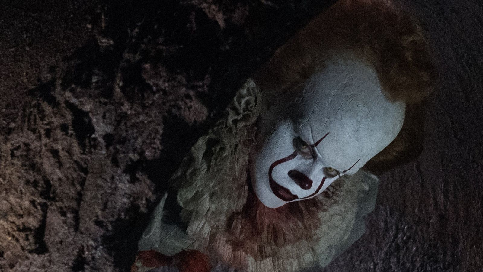 Pennywise Gets A Terrifying Closeup In New Production Photo From It Adaptation Update Polygon